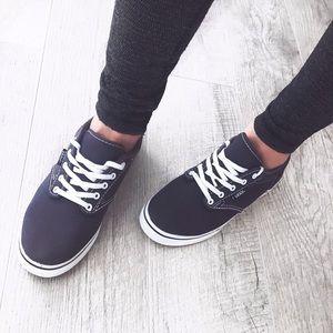 Vans canvas skater sneaker